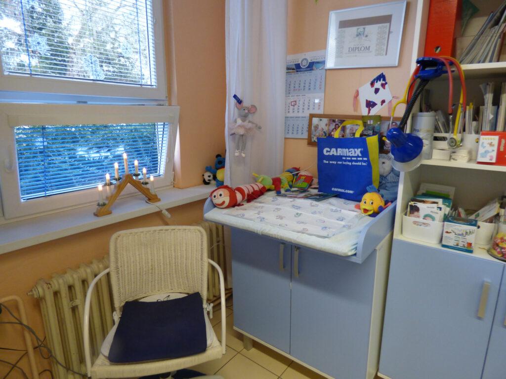 Přebalovací pult pro miminka v ordinaci